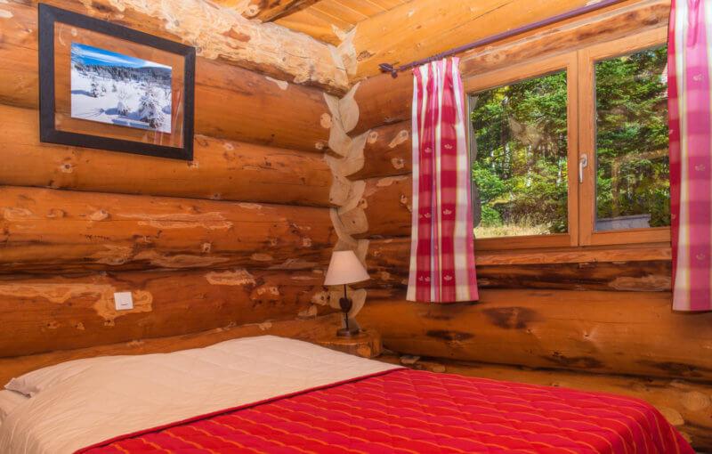 chambre double calme en lisière de forêt
