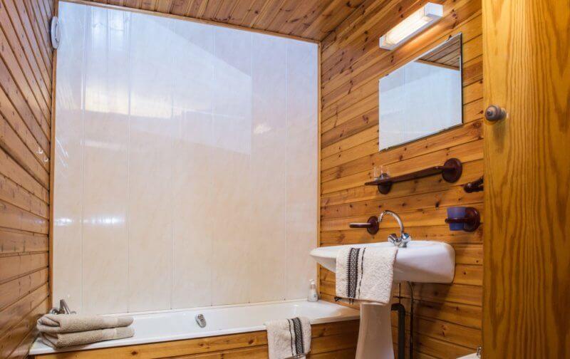 Salle de bain appartement avec terrasse dans les Vosges