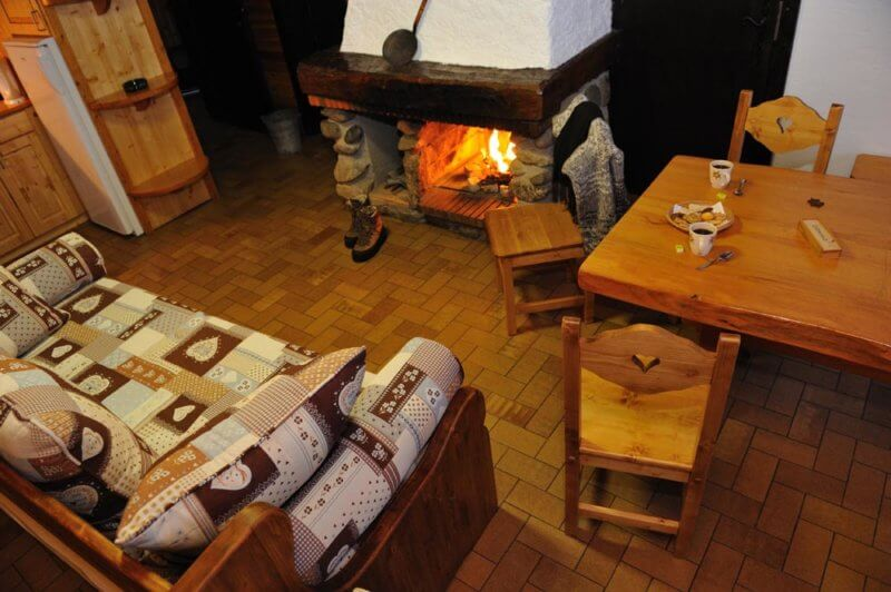 appartement avec cheminee et chauffage au sol
